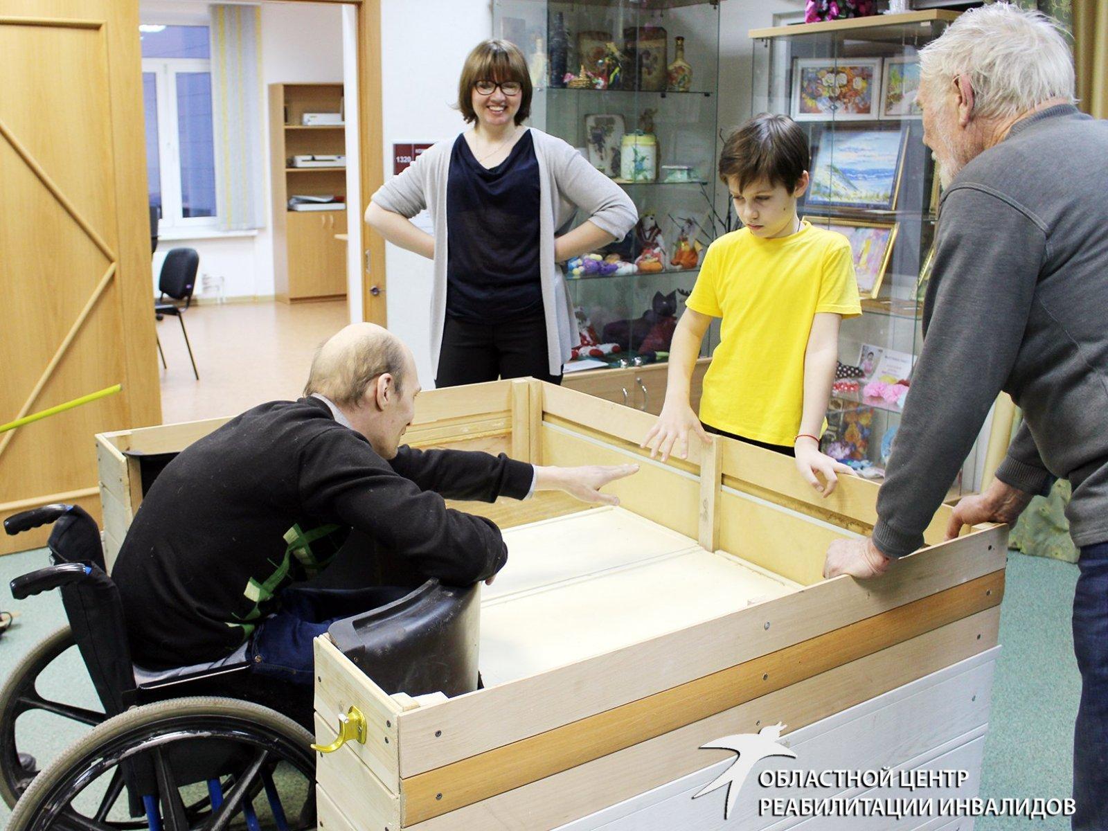 10-летний мальчик презентовал проект мобильной клумбы для инвалидов-колясочников