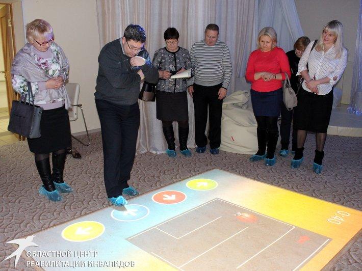 Специалисты из Каменска-Уральского изучают, какие технологии применяются в реабилитации клиентов ОЦРИ